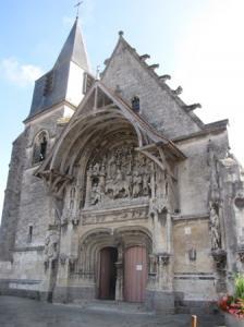 Facade exterieure avec clocher
