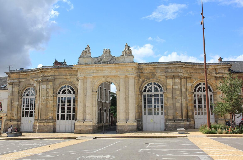 Porte monumentale de Corbie